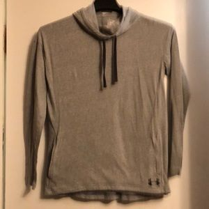 Under Armour hooded shirt with pockets